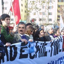 Exigen desmunicipalización sin privatización y fortalecimiento de la educación pública en Chile